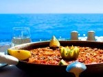 SUNDAYS OF BEACH AND PAELLA