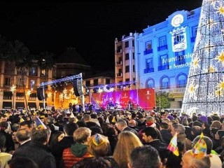NEW YEAR EVE IN MALAGA. RECIEVE IT NEAR THE SEA. DON'T MISS YOUR PLACE.